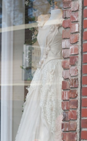 alice wedding dress1